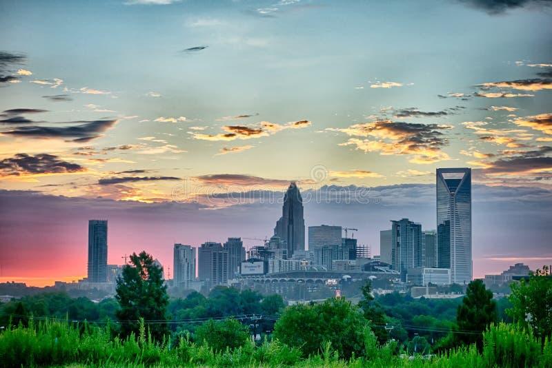 Alba di primo mattino sopra l'orizzonte di Charlotte North Carolina fotografia stock libera da diritti