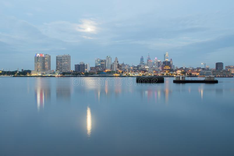 Alba di primo mattino sopra la città di PA di Philadelphia immagini stock libere da diritti