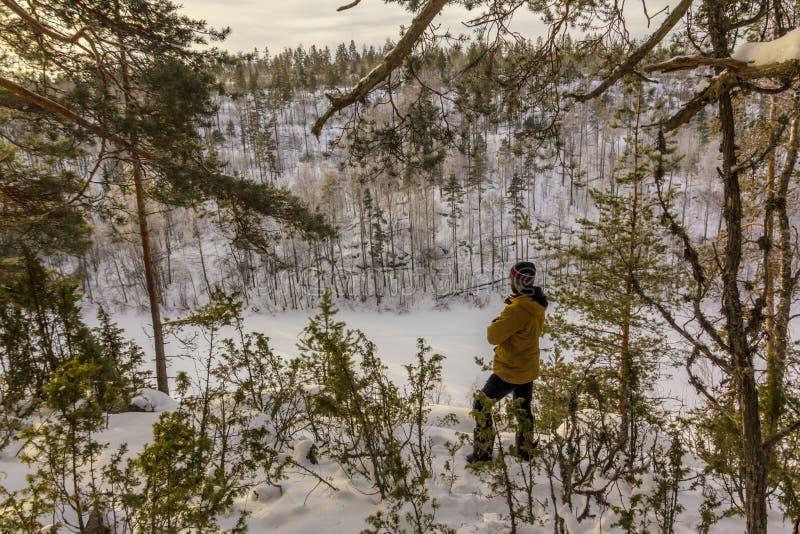 Alba gelida sul lago Ladoga immagine stock