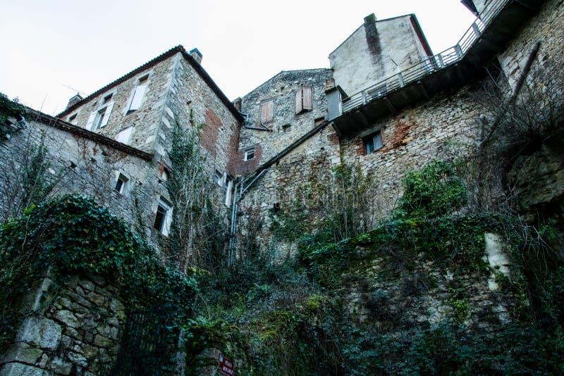 Alba-la-lechuga romana del castillo, Rhone-Alpes, Francia imagenes de archivo