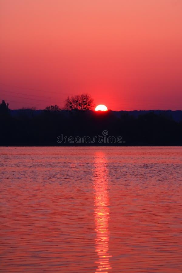 Alba meravigliosa e romantica immagine stock