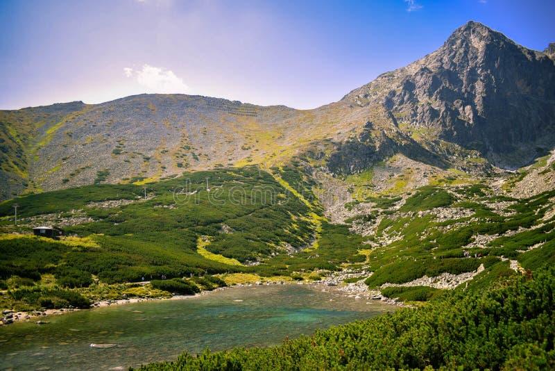 Alba in montagne immagini stock libere da diritti