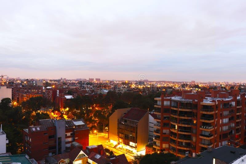Alba nella città fotografie stock libere da diritti
