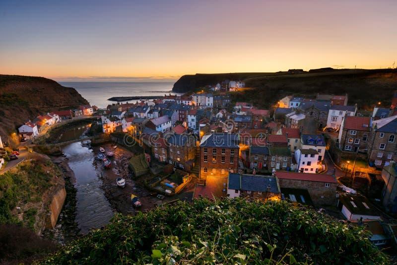 Alba nella costa di Yorkshire - di Staithes immagine stock libera da diritti