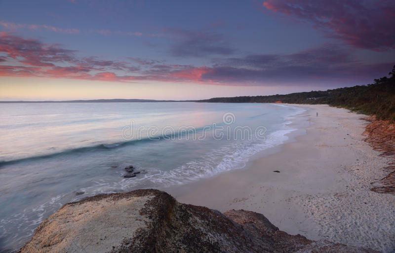 Alba a Nelson Beach Jervis Bay immagine stock