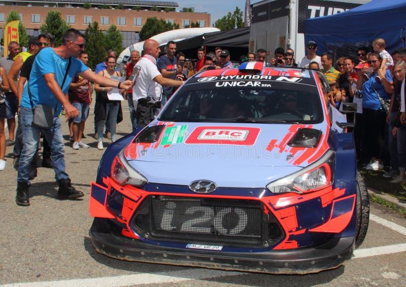 Alba Rally July 28 : Le coupé d'équipage de Hyundai I20 WRC se composant de Sebastien Loeb et de Daniel Elena photographie stock libre de droits