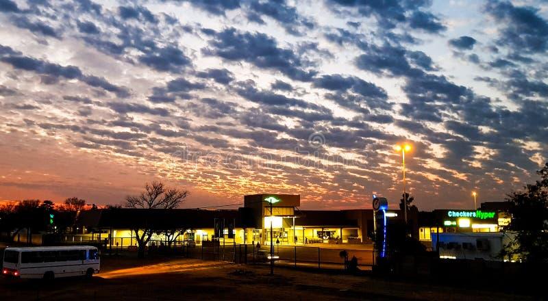 Alba sopra il centro commerciale di Arcon fotografia stock