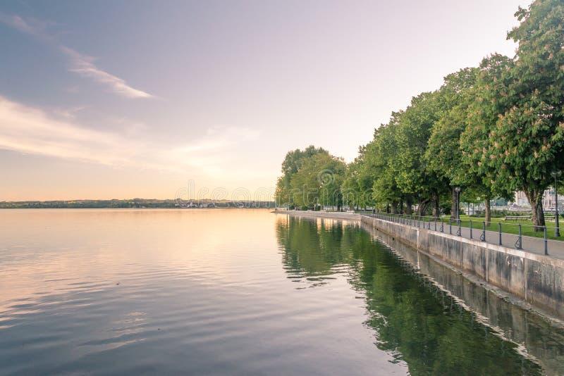 Alba sopra il lago il lago di Costanza Obersee in Bregenz, Austria fotografia stock