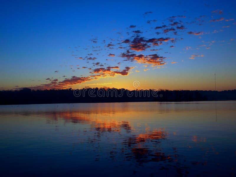 Alba sopra il lago Livingston in Onalaska, il Texas immagini stock libere da diritti