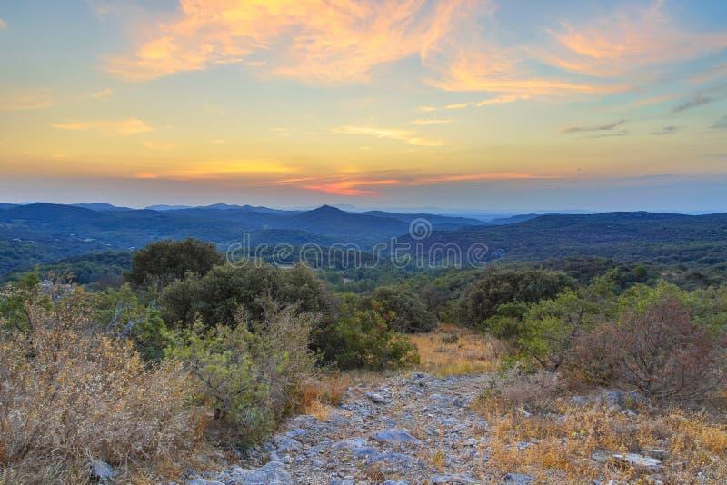 Alba sopra il parco nazionale di Cevennes fotografia stock libera da diritti