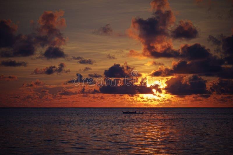 Alba sopra l'oceano Pacifico fotografia stock libera da diritti