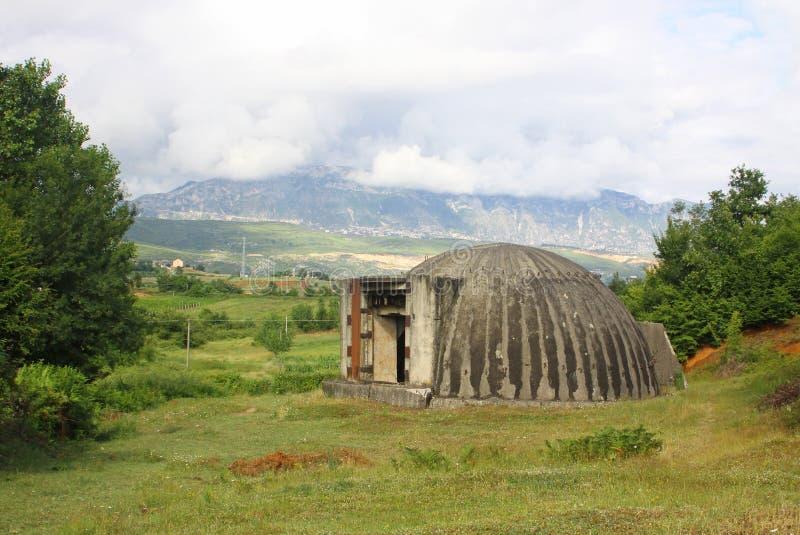 albania bunkermilitär arkivbild