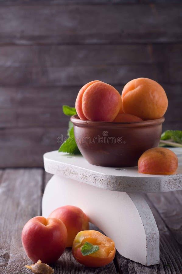 Albaricoques secados deliciosos imagen de archivo