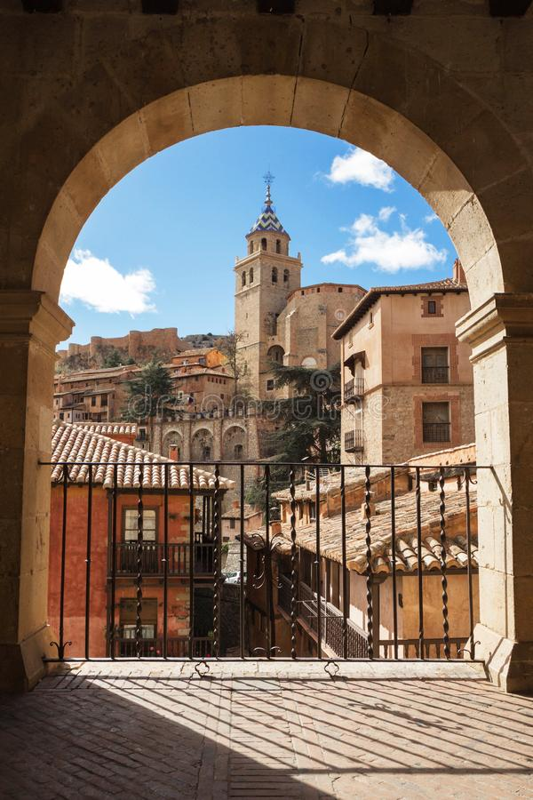 Albarracin, l'Aragona, Spagna Vista pagina della città medievale Albarrac fotografia stock