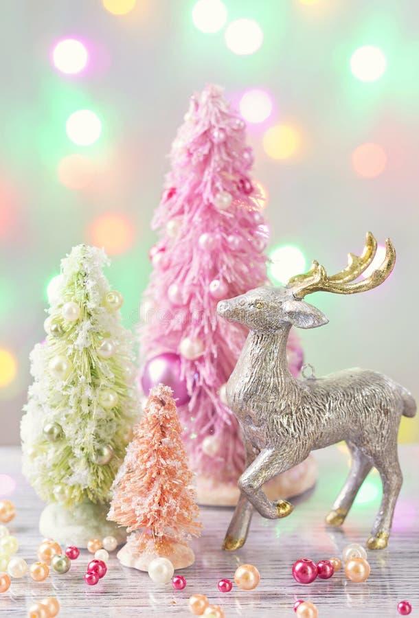 Alberi di Natale colorati pastello immagini stock libere da diritti