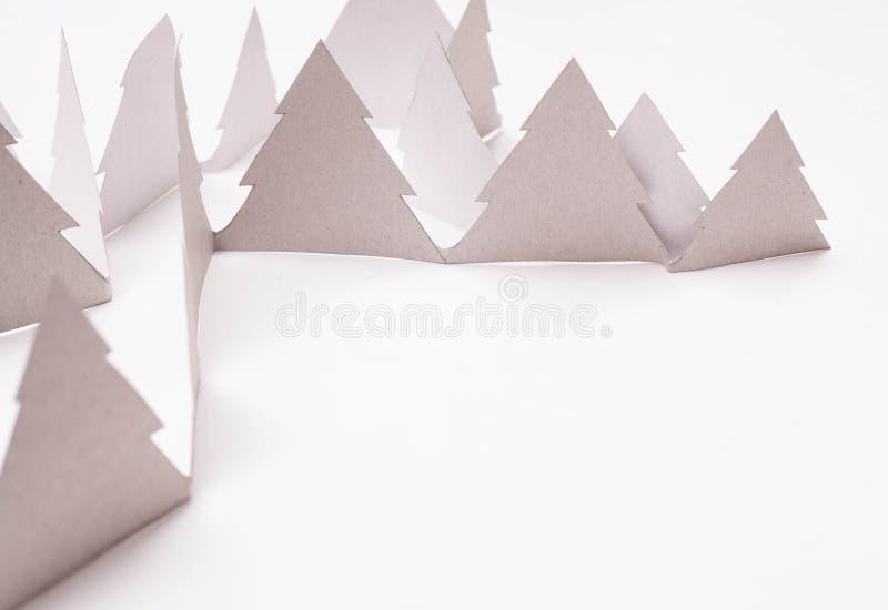 Alberi di Natale su bianco fotografie stock