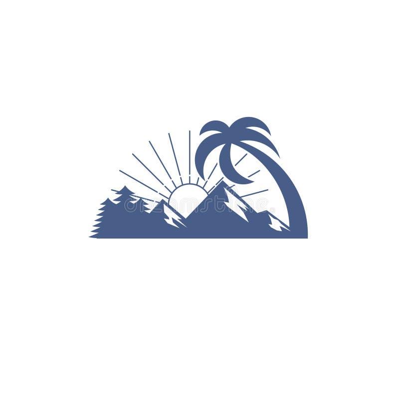 Albero della montagna e di pini del paesaggio ed alba fotografia stock libera da diritti