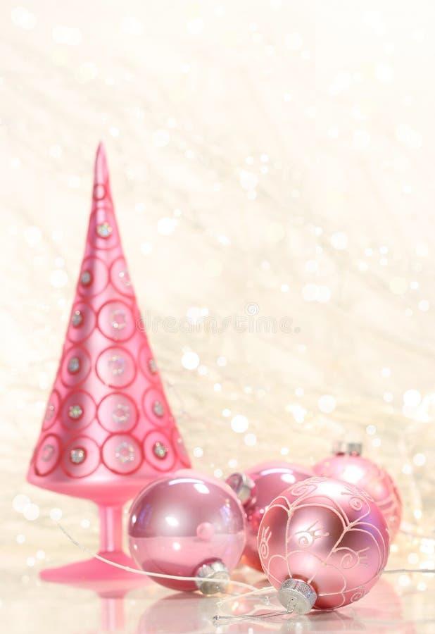 Albero dentellare di festa con le sfere immagine stock