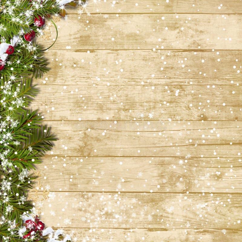 Albero di abete di Natale con le precipitazioni nevose su un bordo di legno royalty illustrazione gratis