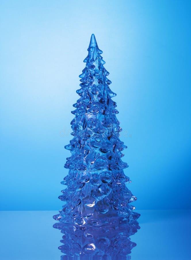 Albero di Crystal Christmas su fondo blu illustrazione vettoriale