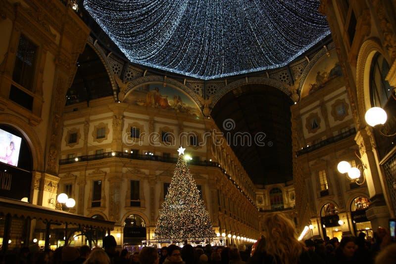 Albero 2018 di Milan Galleria Vittorio Emanuele II Swarovski di Natale immagine stock