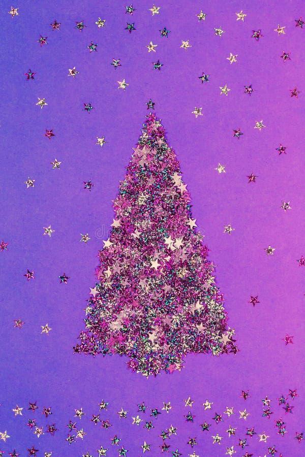 Albero di Natale dei coriandoli festivi a forma di stella fotografia stock libera da diritti