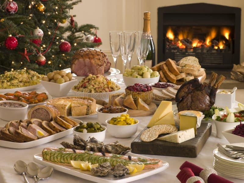 Albero di Natale del pranzo del buffet di Santo Stefano immagine stock