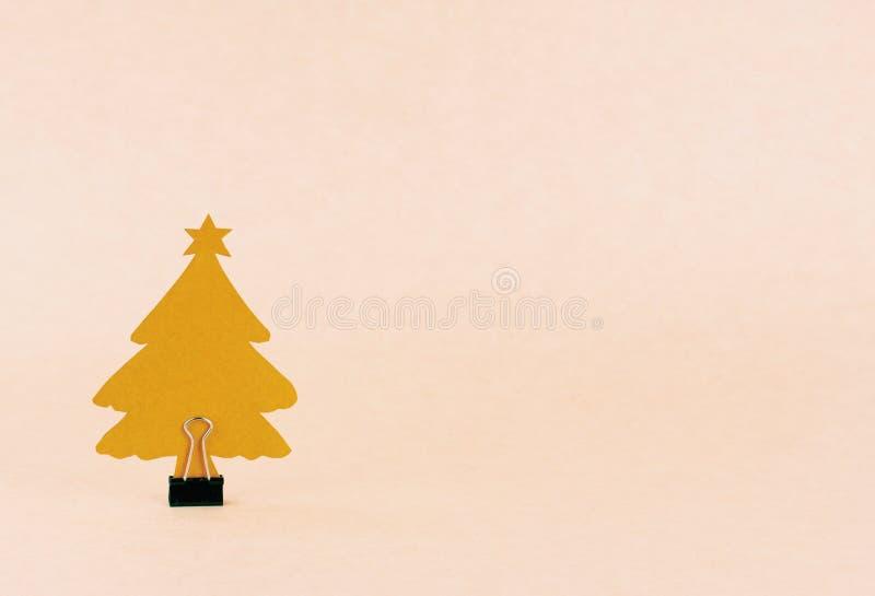 Albero di Natale della carta fatta a mano con la clip del raccoglitore immagine stock