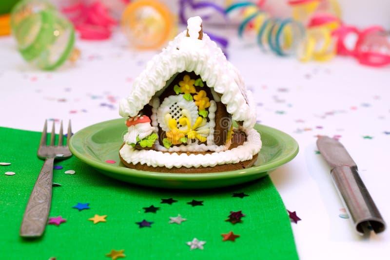 Albero di Natale e casa del pan di zenzero fotografie stock libere da diritti