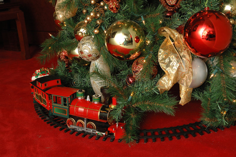 Albero di Natale e treno fotografie stock