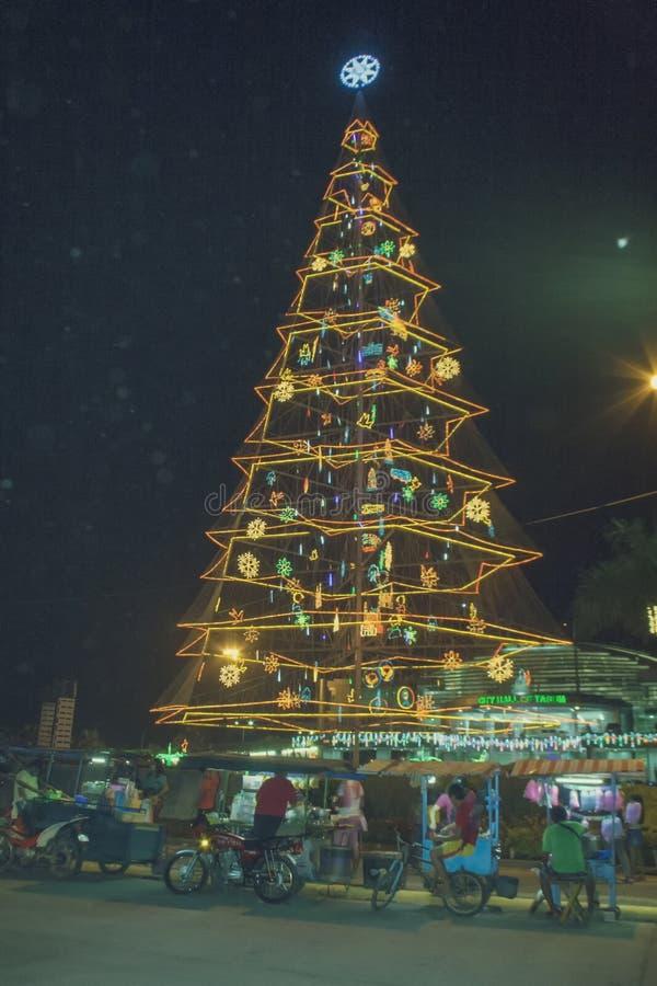 Albero di Natale gigante della città di Tagum immagine stock