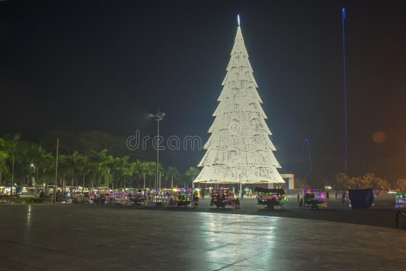 Albero di Natale gigante della città di Tagum, Tagum Davao del Norte, Phili fotografia stock libera da diritti