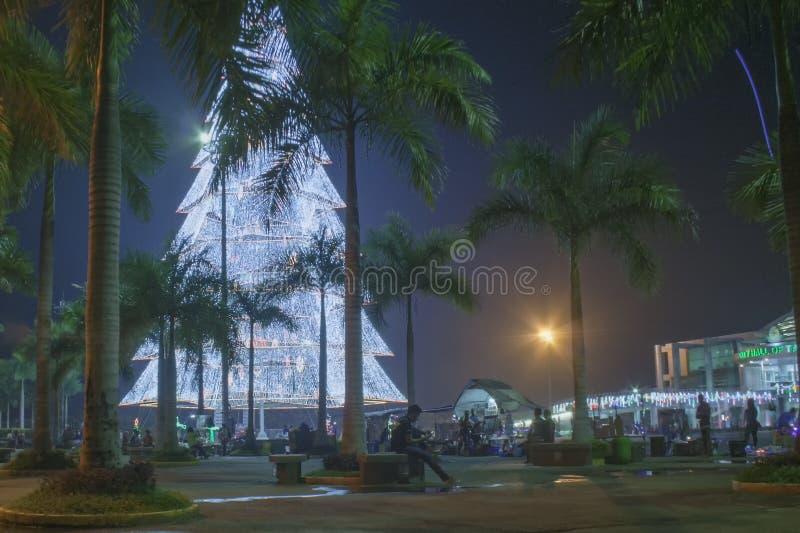 Albero di Natale gigante della città di Tagum, Tagum Davao del Norte, Phili fotografia stock