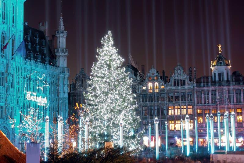 Albero di Natale nel grande posto, Bruxelles, Belgio immagini stock libere da diritti
