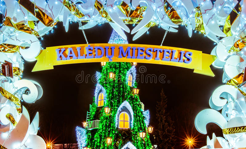 Albero di Natale a Vilnius Lituania 2015 immagini stock libere da diritti