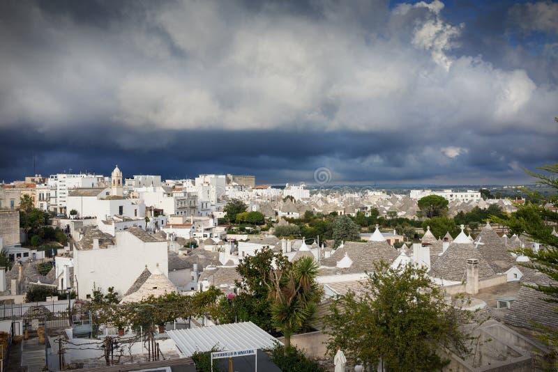 Alberobello, ville si trulli, Puglia, en Italie image libre de droits