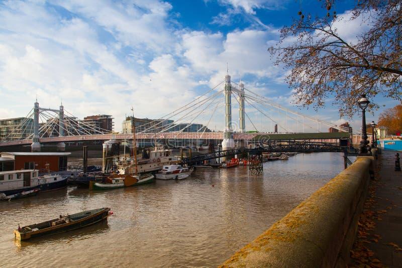 Albert Bridge en Londres fotos de archivo