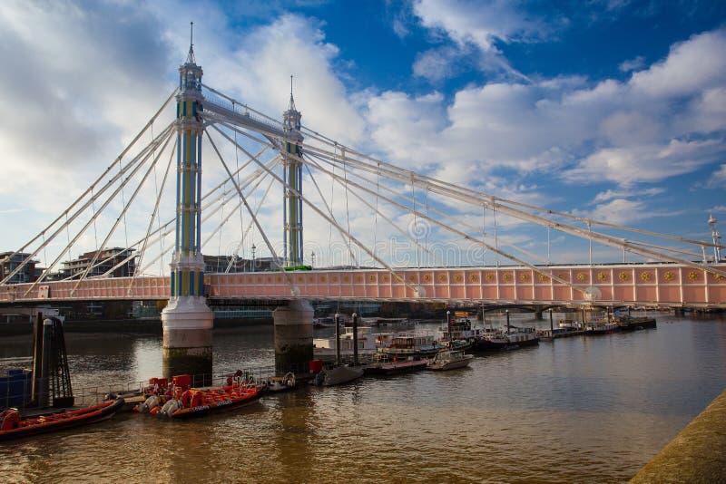 Albert Bridge en Londres imagenes de archivo