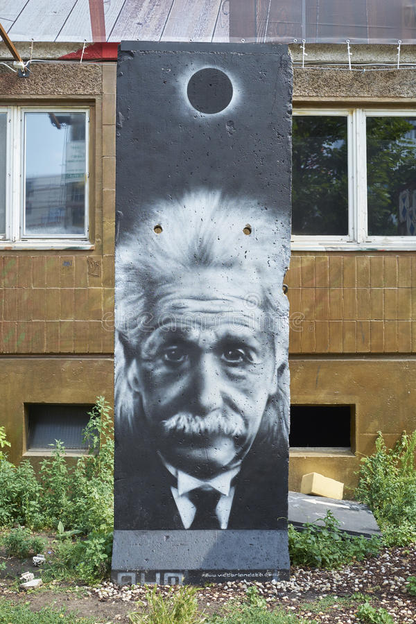 Albert Einstein Grafitti på väggen arkivbilder