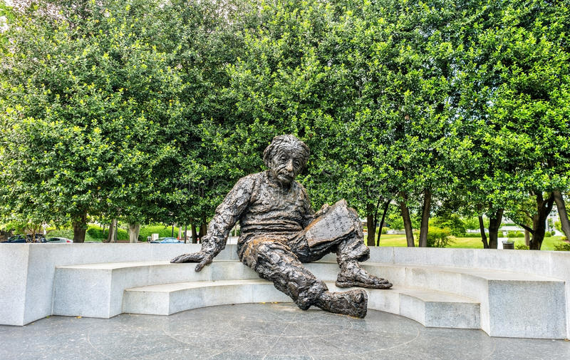 Albert Einstein Memorial, eine Bronzestatue an der National Academy of Sciences in Washington, D C stockfoto
