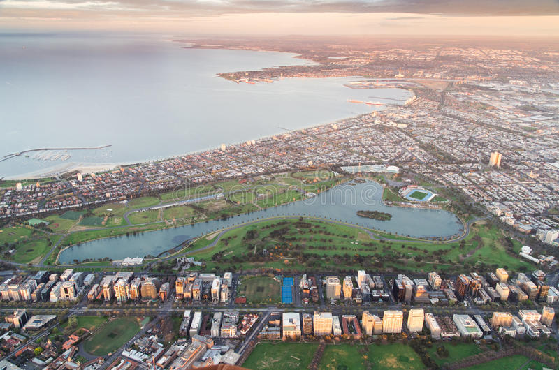 Albert Parkuje jezioro Melbourne od balonu i port obrazy stock
