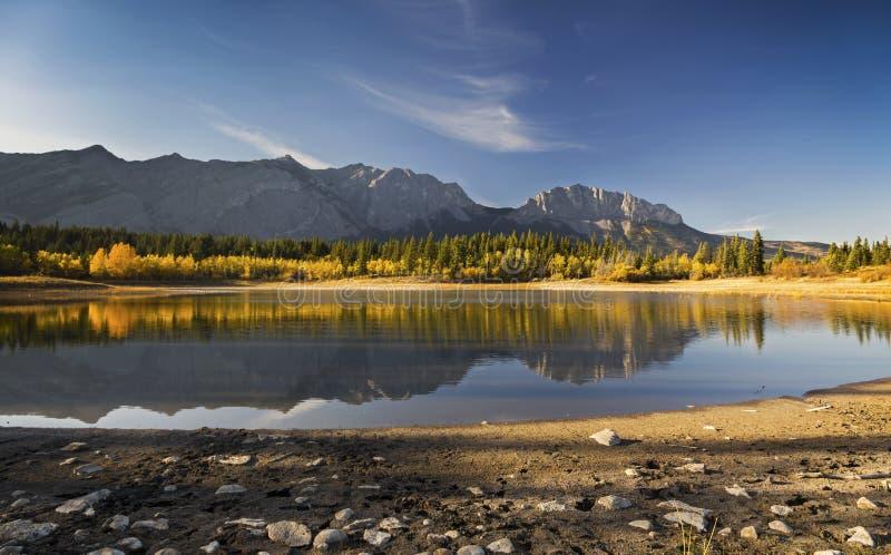 Alberta Foothills Autumn Landscape royaltyfri fotografi