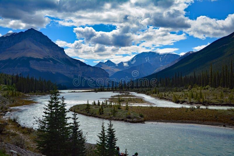 Alberta Rocky Mountains Landscapes mellan jaspisen och Banff, Kanada royaltyfri fotografi