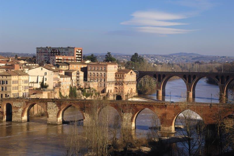 Albi, brug over de rivier van de Tarn, Frankrijk stock fotografie