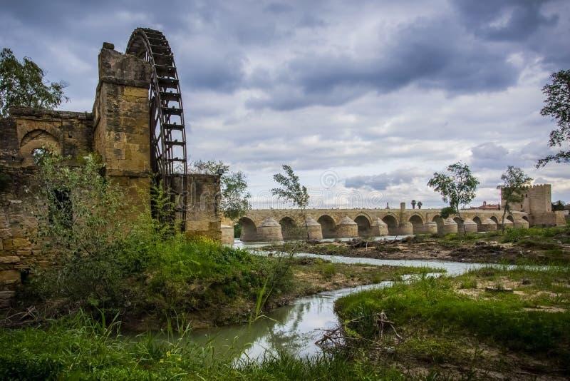 Albolafia的弗累斯大转轮阿拉伯起源在瓜达尔基维尔河河 免版税图库摄影
