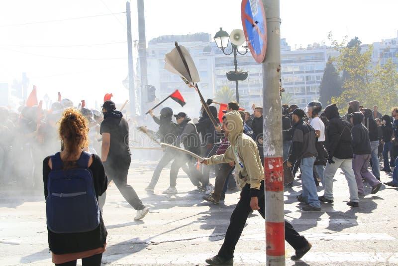 Alborotos entre los manifestantes imagen de archivo libre de regalías