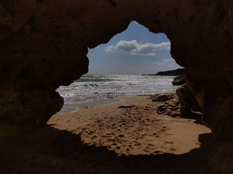 Albufeirapassage tussen stranden, Algarve Portugal stock fotografie