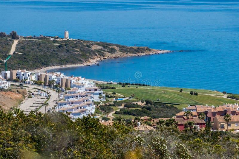Alcaidesa高尔夫球场大角度看法  免版税库存照片