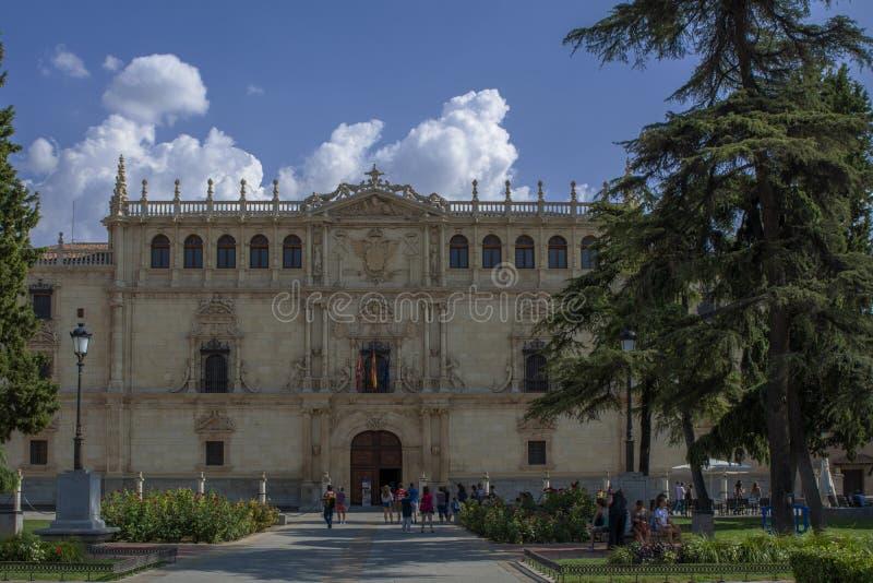 alcala de Henares University,马德里,西班牙的门面 库存图片