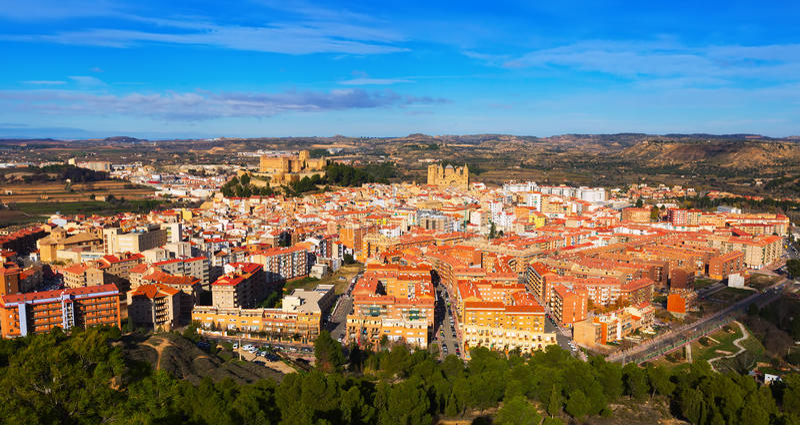 Alcaniz全景在冬天 西班牙 免版税库存照片